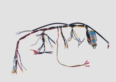 Verdrahteter Kabelsatz mit Anschlußklemmen